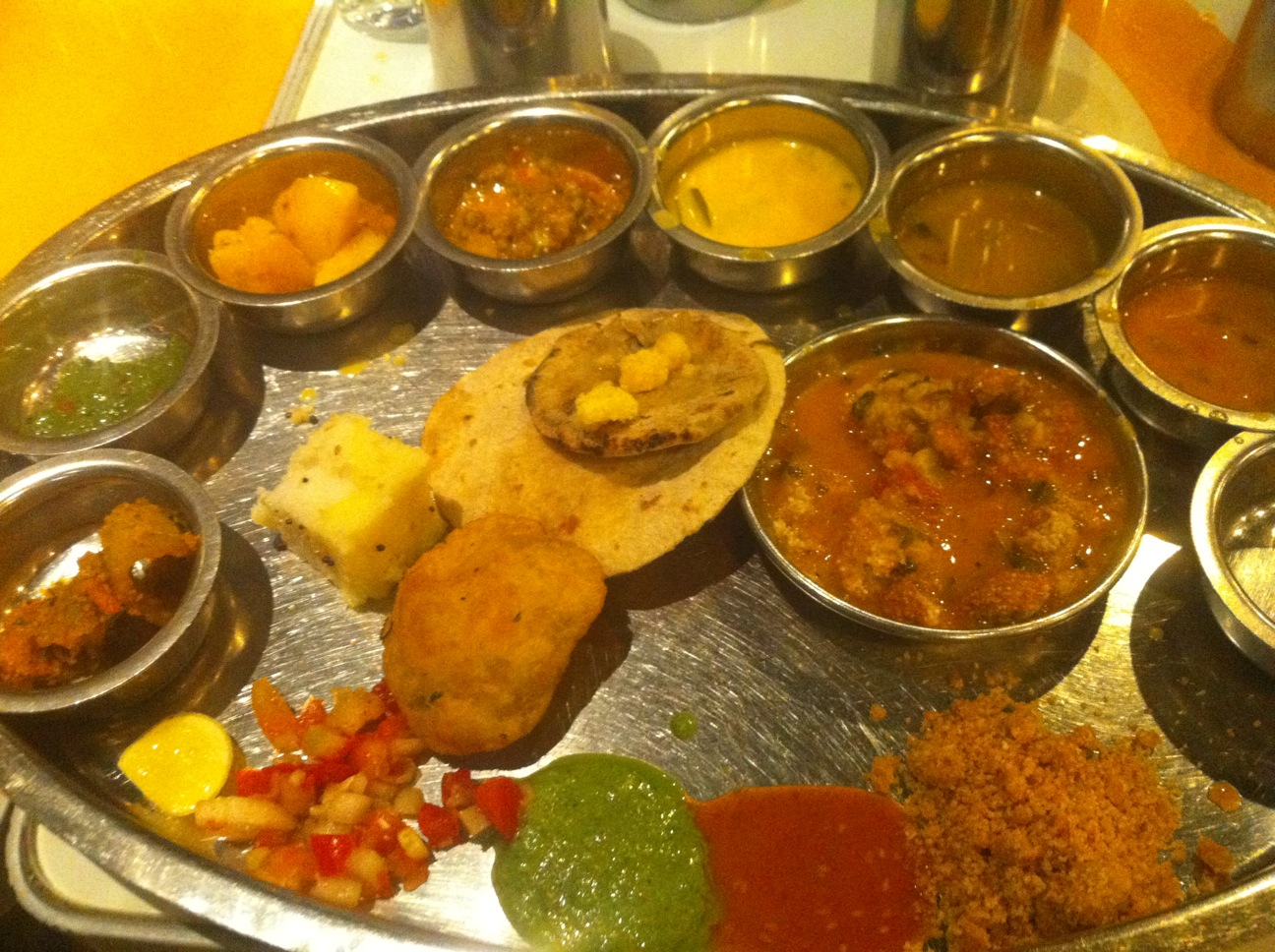 Kaleidoscope: @ rajdhani a place to eat north Indian food