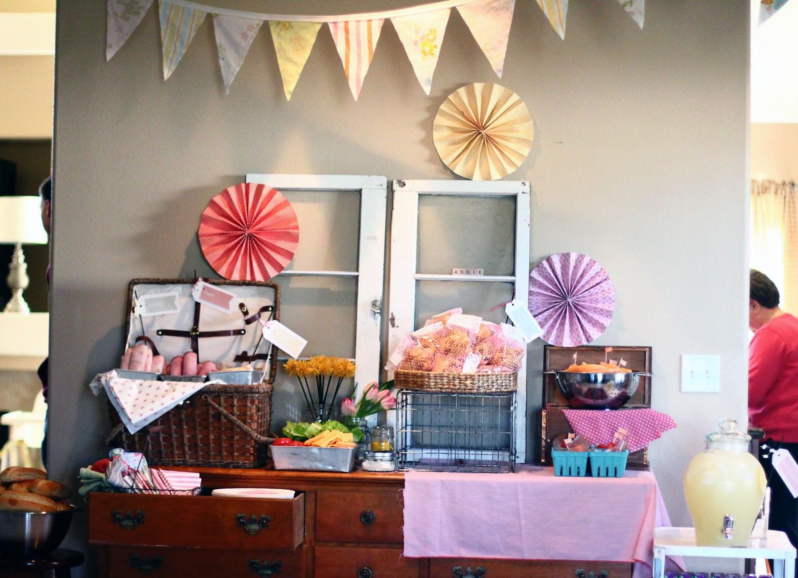 Stella bella indoor picnic for Indoor birthday decoration ideas
