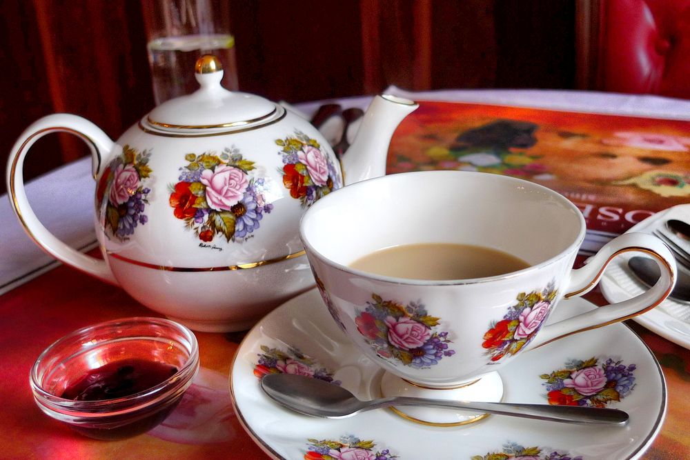 Rose house tea and art