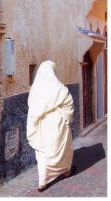Le Haik: habit traditionnel de la femme  Thumb_c5f41efe6c12ffb49dea72dbd1e785c0