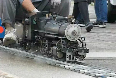 mallest steam locomotive
