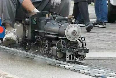 mallest steam locomotive