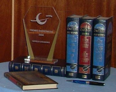 Premio Andrómeda de Ficción Especulativa. 3 categorias: Ensayo, Novela y Relato