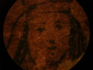 ESPIRITISMO, CULTO Y RELIGIONES - Página 9 Rostro-de-la-Virgen-de-Coromoto-visto-a-traves-del-microscop
