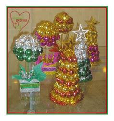 Arboles y topiarios decorativos navideños