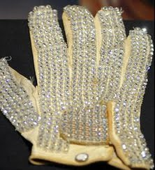 ICHEOKU, MICHAEL JACKSON'S MOONWALK HAND-GLOVE SETS A RECORD AT AUCTION?
