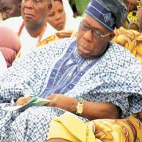 OBASANJO SLEEPING ON DUTY, HE SNORED AWAY WHILE OTHERS KEPT WATCH!
