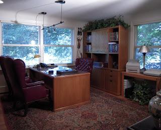 Attirant Executive Home Office