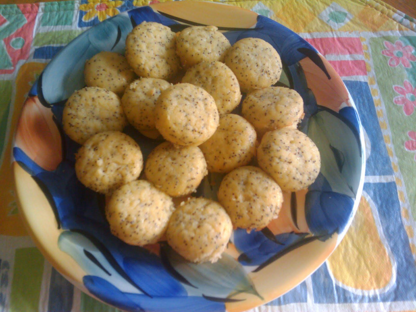 just love lemon poppyseed muffins. The lemon flavor, the light ...