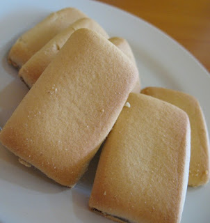 Fig rolls on a plate
