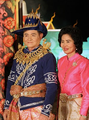 Phuket governor, Wichai Phraisa-ngop and his wife after the show