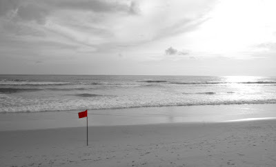 Red flag at Karon Beach