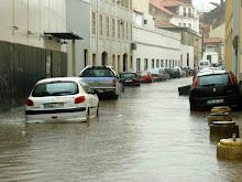 Lisboa, como o país, mete água.