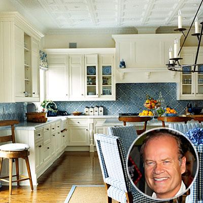 Site Blogspot  Kitchen Counters  Backsplash on Kelsey Grammer S Kitchen Has A Blue Patterned Tile Backsplash  Pic