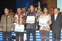 """3 Desember 2008 """"Cak Eko"""" Dinobatkan Sebagai Pemenang I Wirausaha Muda Mandiri 2008"""