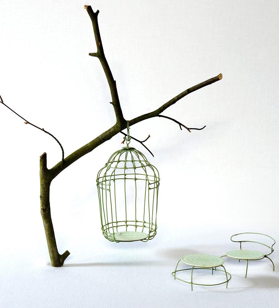 [BIrdcage+chair2lo.jpg]