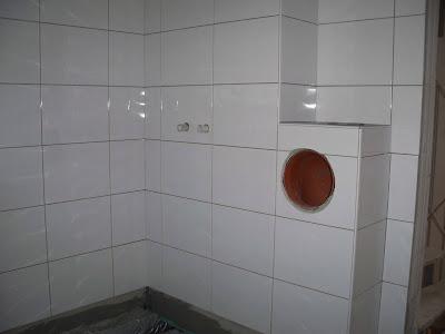 Wäscheschacht Klappe deffners kleines häuschen bad und gäste wc wandfliesen schon fast