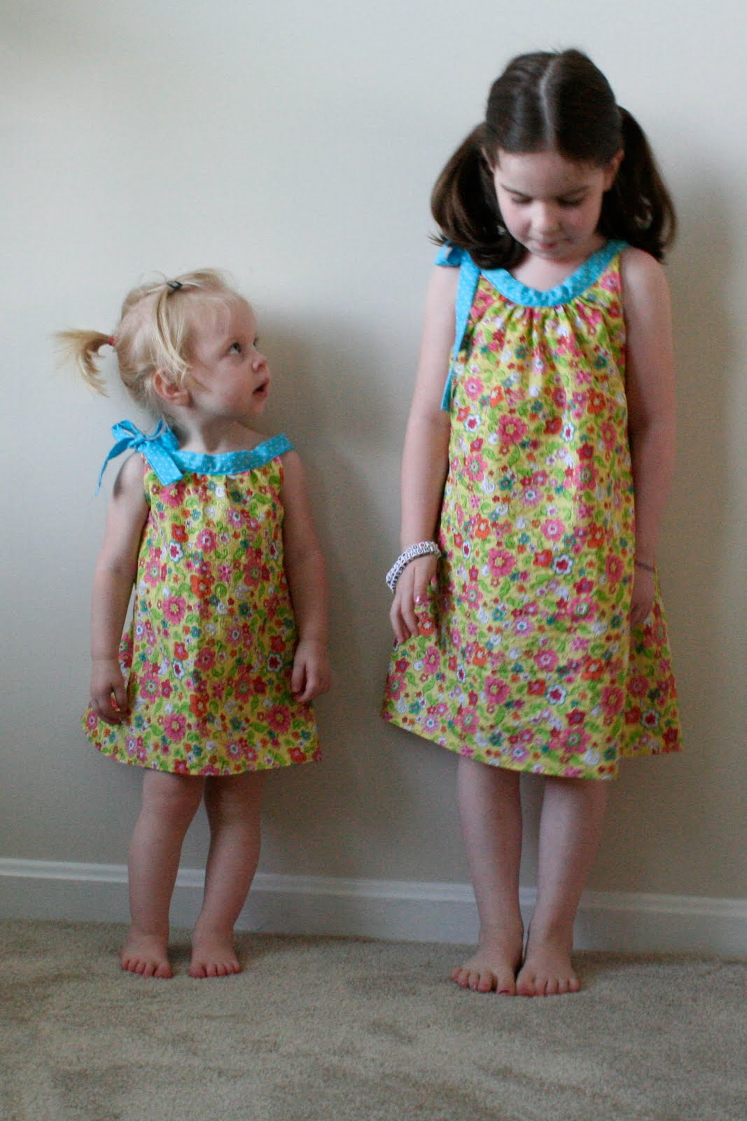 Helping Little Hands: Easy T-Shirt Dress with Free Pattern: Hand
