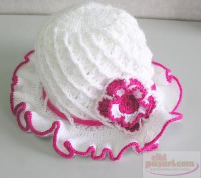 ilkayacelyalogoyz5 Kız çocukları için örgü şapka modelleri