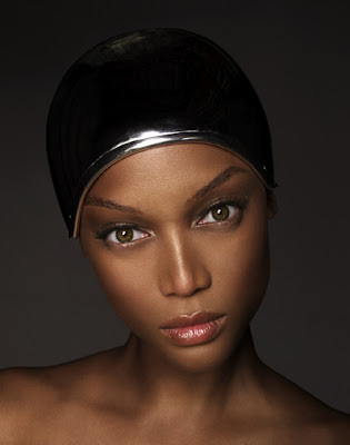 Tyra Banks IS Derek Zoolander in America's Next Top Model Promo