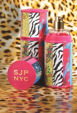 Carrie Bradshaw in Fragance: SJP NYC