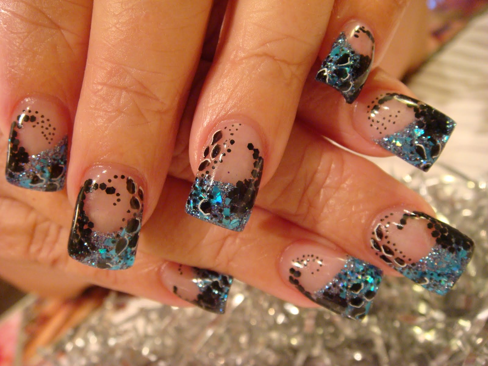 Fall Acrylic Nail Designs http://acrylic-nails.blogspot.com/2010/09/last-days-of-summer-nail-acrylic.html