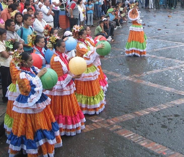 BELLEZA Y COLORIDO