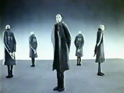 Balance, the 1989 Oscar-winning short film, by Wolfgang and Christoph Lauenstein.