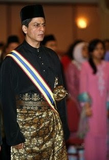 Bollywood fever hits Malaysia as Shah Rukh Khan 'knighted'