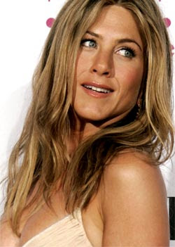 Jennifer Aniston cries thinking about Brad Pitt