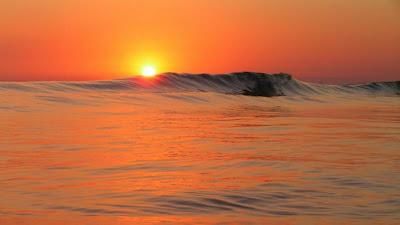 غروب-الشمس-sunset-غروب-الحياة-موج-متلاطم-
