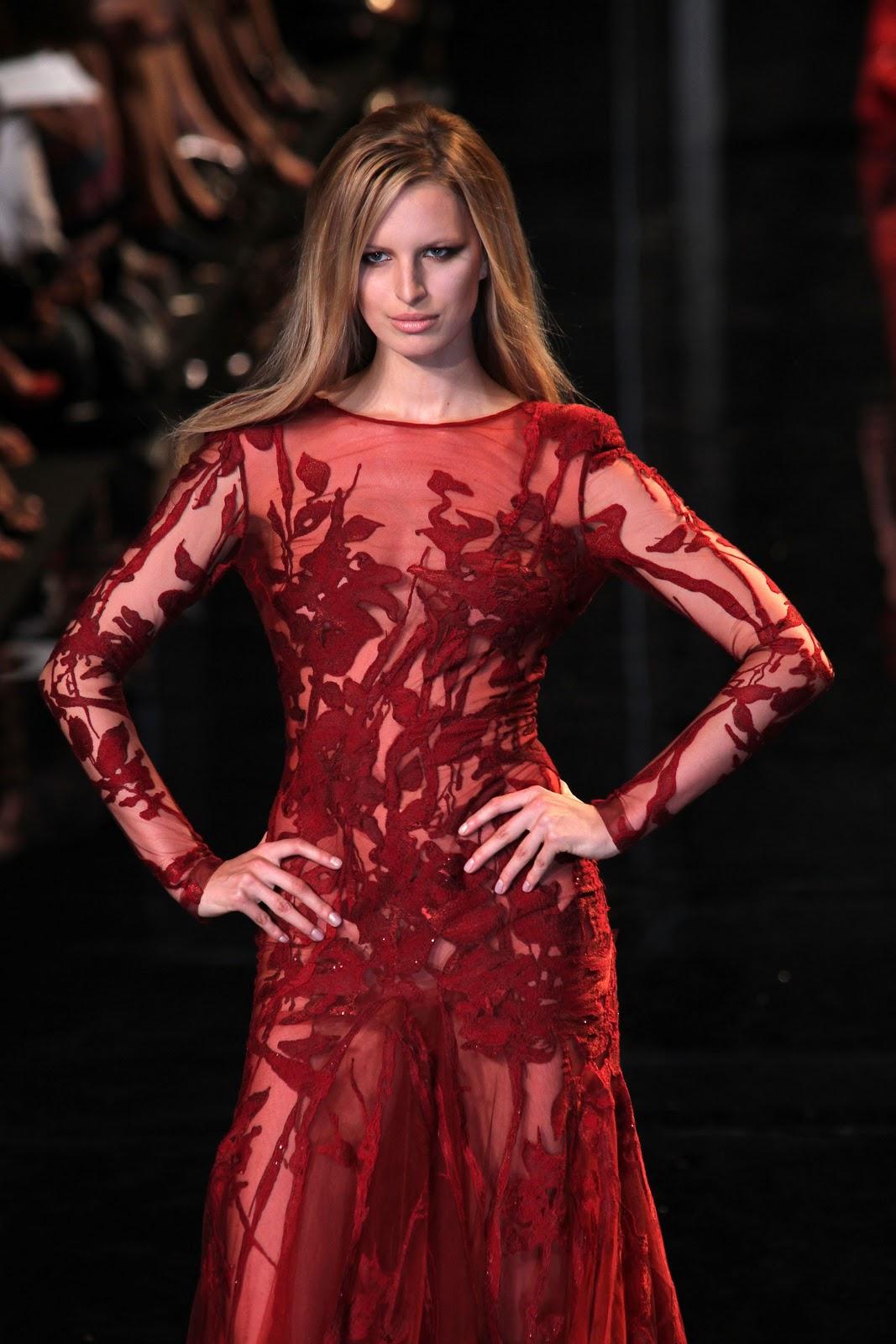 http://3.bp.blogspot.com/_BokBbqgxyyg/TKq6OOG7kaI/AAAAAAAAAB0/e-aM5Zy3OJ8/s1600/43466_Karolina_Kurkova_Elie_Saab_Fashion_Show_2_122_922lo.jpg