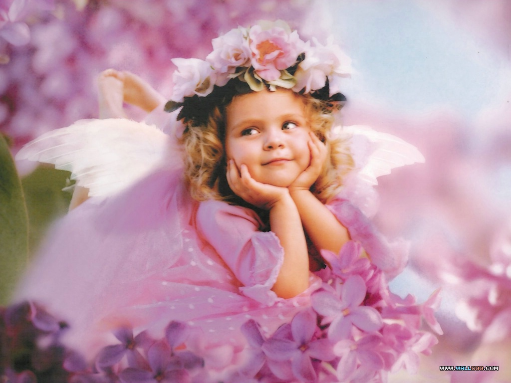 Cute baby girl like angel desktop wallpaper