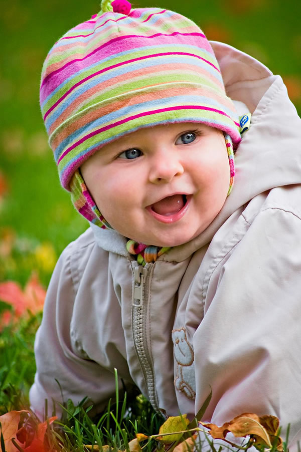 images of babies laughing. Photos of laughing babies
