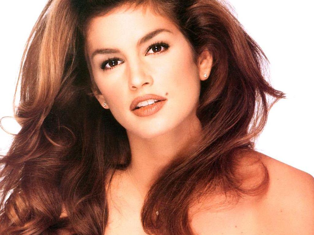 http://3.bp.blogspot.com/_BpAoKRSdVjQ/TGVtwdHO_mI/AAAAAAAAA28/Vkq9HxSYx3M/s1600/Cindy-Crawford-sexy+celeb.JPG
