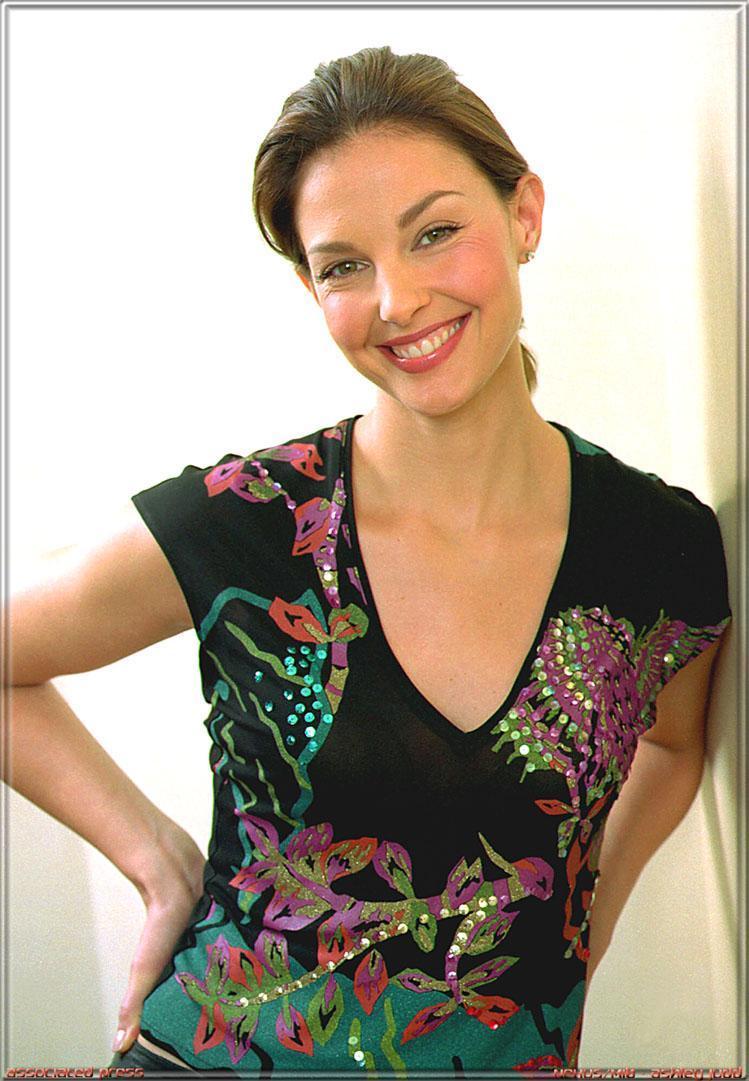 pics of actress ashley williams free