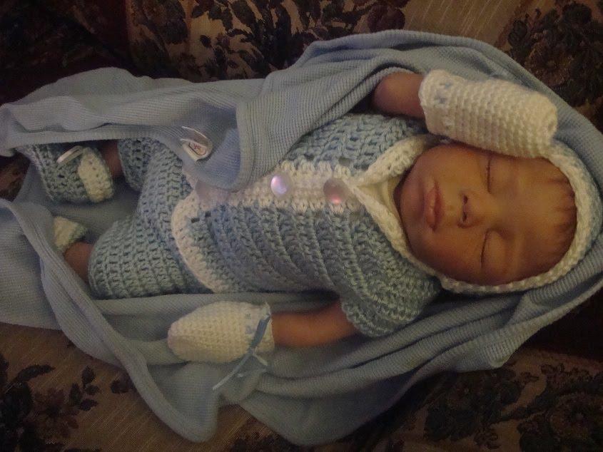 Crochet Crazy Mama: 7-Piece Newborn Boy Layette