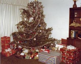 ABT UNK: Advent Calendar of Christmas Memories: Gifts