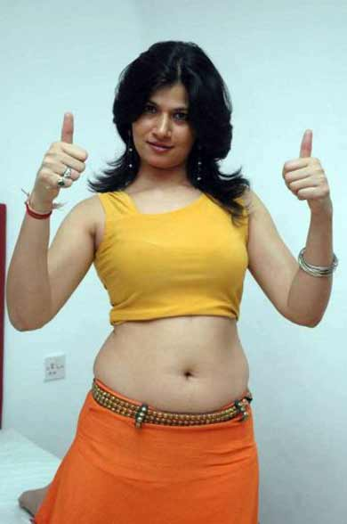 Actress Meenu Navel Show Photos