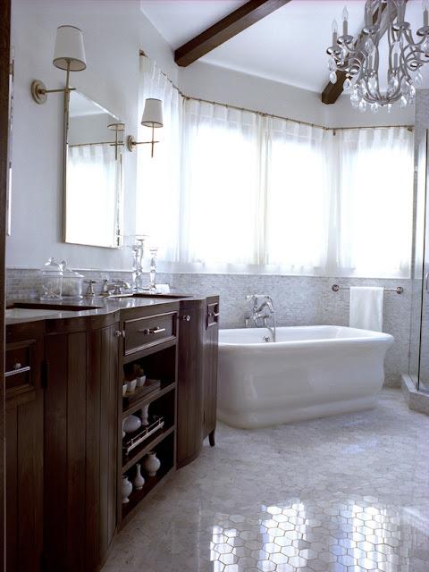 Photos de salle de bain traditionnelle meuble et - Comment decorer sa salle de bain ...