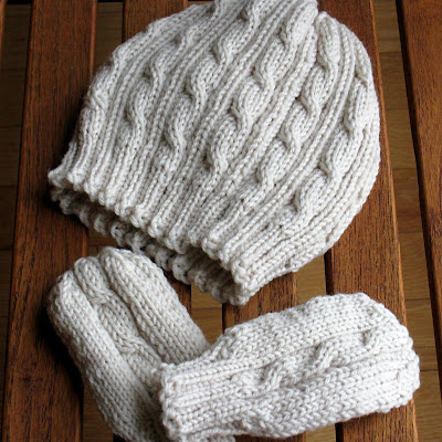 the pattern for a hat and mittens set I made for a friend's new baby