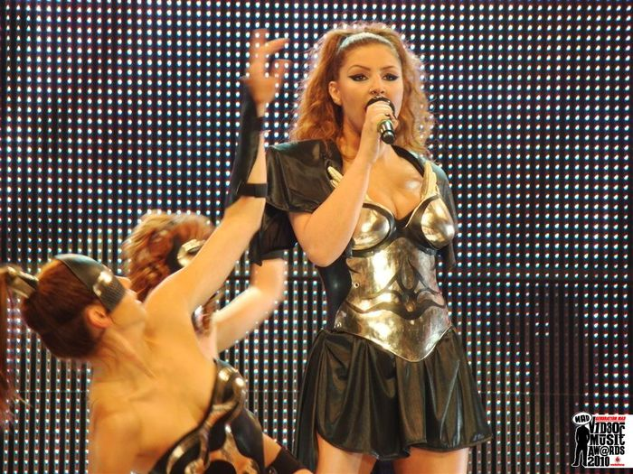 MAD VIDEO MUSIC AWARDS 2010 ΕΛΕΝΑ ΠΑΠΑΡΙΖΟΥ - DANCING WITH THE MUSIC / ELENA PAPARIZOU - DANCING WITH THE MUSIC N.M.S. (ALPHA)