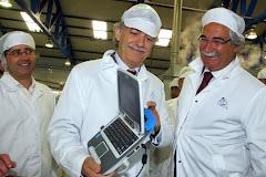 O  famoso MAGALHÃES tem um programa que produz Cavalas e sardinhas para exportação!...