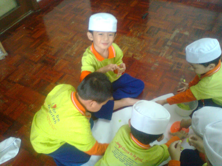 ~little khalifah in my class~
