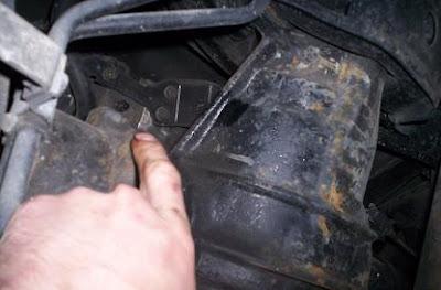 Rear differential diff bleeder