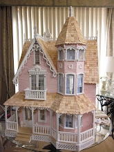 The Greenleaf Garfield Thumbelina Dollhouse