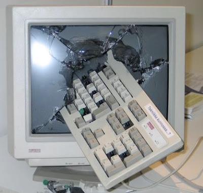 http://3.bp.blogspot.com/_C-bR9dGiwHc/S1yXnlQS3ZI/AAAAAAAAA-4/_uH2KKPyzok/s400/smashed-computer.jpg