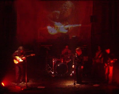 Turu Saez & Band  presenta ETEREO se viene el teatro