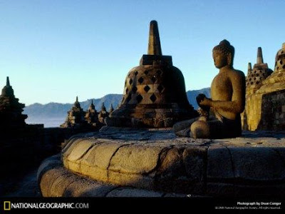 [Image: borobudur-temple-292612-lw.jpg]