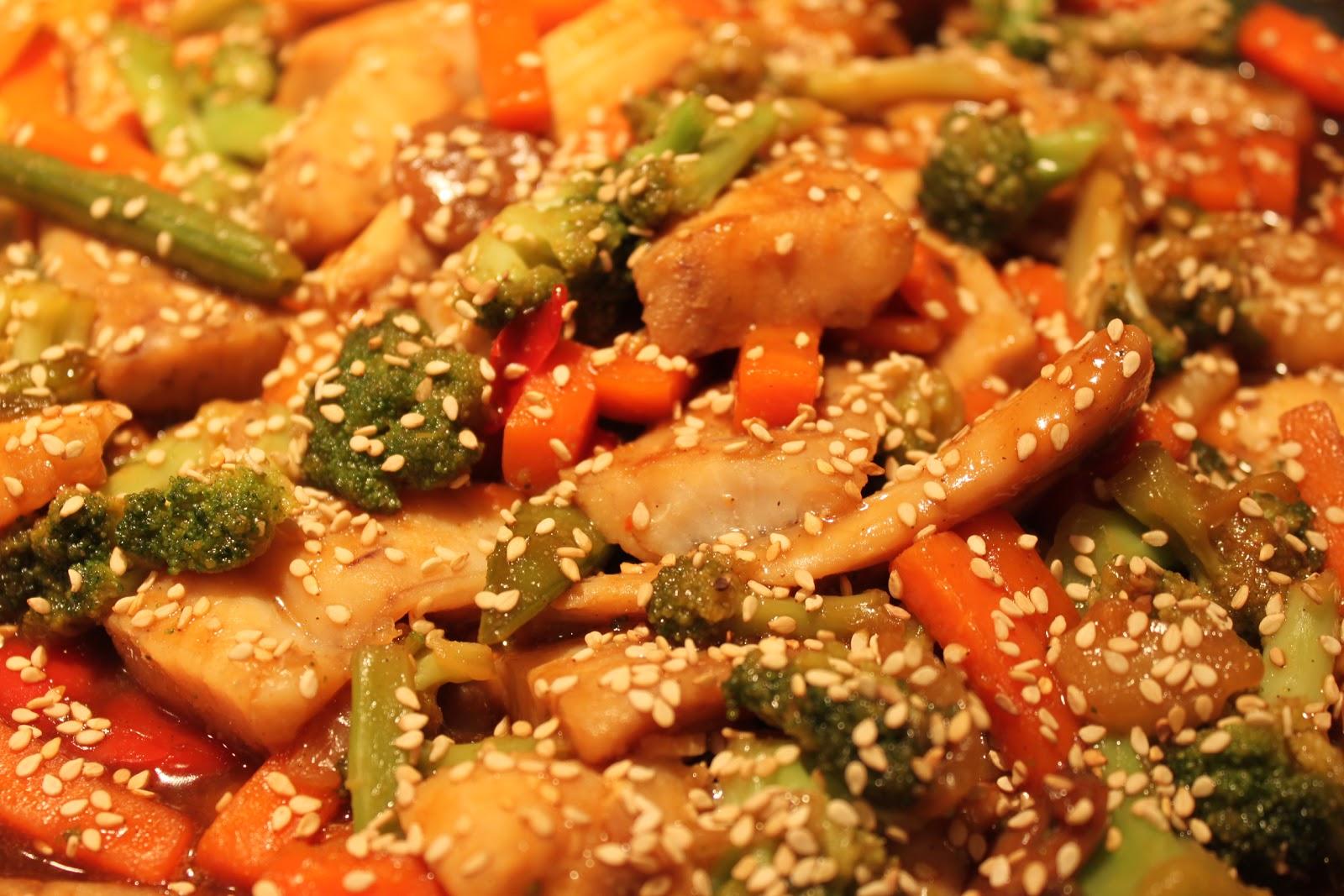 Petits repas entre amis wok de poisson aux petits l gumes for Plat a manger entre amis